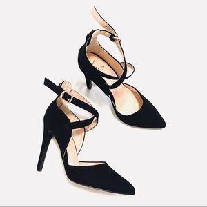 [Lulus] Black Velvet Pointed Toe Heels Size 6